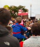 Den SANTA CRUZ SPANIEN karnevalet ståtar Royaltyfri Foto