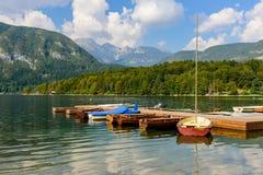 Den sceniska sjön Bohinj arkivfoton