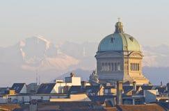 Den schweiziska parlamentet Bundeshaus Royaltyfri Bild