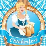 Den sexiga Oktoberfest flickan och att bära en traditionell bayersk klänning, tjänande som stort öl rånar royaltyfri illustrationer