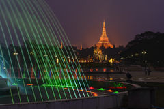 Den Shwedagon pagoden Arkivbilder