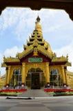 Den Shwemawdaw Paya pagoden är en stupa som lokaliseras i Bago, Myanmar Arkivbilder