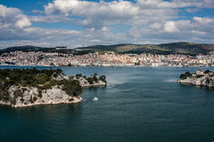Den Sibenik townen och St.-Ante kanaliserar Royaltyfri Fotografi