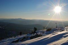 Den Siberian taigaen, vintern Ryssland, sol, övervintrar nytt Royaltyfri Fotografi