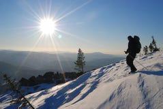 Den Siberian taigaen, vintern Ryssland, sol, övervintrar nytt Royaltyfri Foto