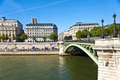 Den Siene floden i Paris Arkivbild