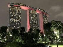 Den Singapore marinafjärden sandpapprar mest berömt hotell i stad arkivbild