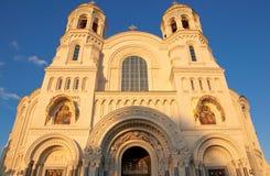 Den sjö- domkyrkan av St Nicholas i Kronstadt, Ryssland. Royaltyfria Bilder