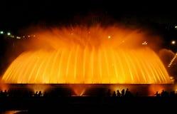 Den sjungande springbrunnen i Barcelona Royaltyfri Fotografi