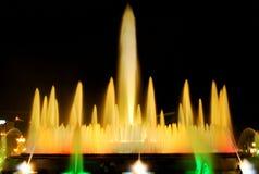 Den sjungande springbrunnen i Barcelona Royaltyfri Bild