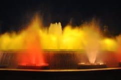 Den sjungande springbrunnen i Barcelona Royaltyfria Bilder