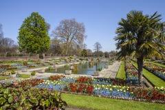 Den sjunkna trädgården på den Kensington slotten i London Royaltyfria Bilder