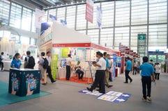 Den sjuttonde Kina internationella Optoelectronic expon som rymms i den Shenzhen regeln och utställningmitt Royaltyfri Fotografi