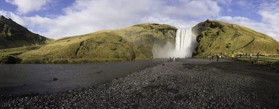Den Skogafoss vattenfallet Island Arkivfoto