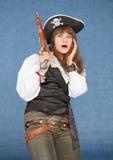 den skrämmde dräkten piratkopierar kvinnan för havet starkt Royaltyfria Foton