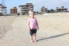 Den skriande ledsna araben behandla som ett barn flickan Royaltyfria Foton