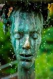 Den skriande springbrunnen med termal vatten i Karlovy varierar Royaltyfri Foto