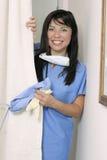 den skrivande in sjuksköterskan avvärjer Royaltyfria Bilder
