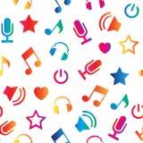 Den släkta uppsättningen av karaoke märker, emblem och designbeståndsdelar Karaokeklubbaemblem Mikrofoner på vit Arkivfoto