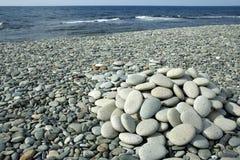 den små kusten smooth buntstenar Royaltyfri Foto