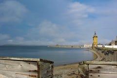Den smala kusten in från av den historiska fästningen av Louisburg på uddeBretonön Arkivfoton
