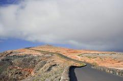Den smala vägen Royaltyfri Foto
