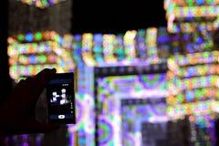 Den smarta telefonen och konserten Arkivfoton