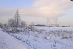 Den snöig vintern landskap Royaltyfri Bild