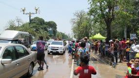 Den Songkran festivalen firas med elefanter i Ayutthaya Royaltyfria Bilder