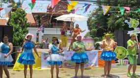 Den Songkran festivalen firas med elefanter i Ayutthaya Arkivbild