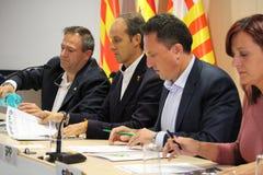 Den spanska polisen om catalan folkomröstning Arkivbilder