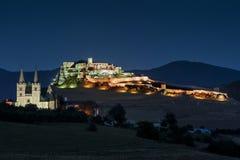 Den Spis slotten och domkyrkan av St Martin, monumentet för hrad för kapitel Spisska - Spissky den nationella kulturella (UNESCO) Royaltyfri Fotografi