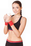 Den sportiga kvinnan med exponeringsglas av bevattnar Royaltyfria Bilder