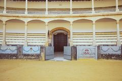 Den största och mest berömda spanska tjurfäktningsarenan är plazaen de Toros Hemland av den spanska bullfightingen royaltyfri bild
