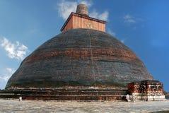 Den största stupaen i världen Jethawanaramaya Dagoba Arkivfoto