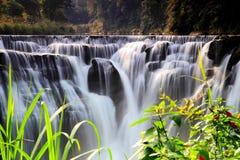 Den största vattenfallet i Taipei, Taiwan Royaltyfria Foton