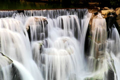 Den största vattenfallet i Taipei, Taiwan Royaltyfria Bilder
