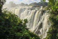 Den största vattenfallet i världen är Victoria arkivfoto