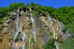 Den största vattenfallet på Plitvice sjöar royaltyfria foton