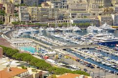 Den största yachtporten av Monaco Monaco yachtshow arkivbilder