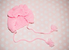 Den stack rosa hatten för behandla som ett barn Arkivfoto