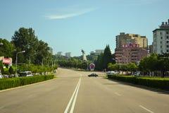Den stads- vägen ingen mer bil i den Pyongyang staden, huvudstaden av Nordkorea Arkivbilder