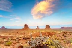 Den stam- monumentdalen parkerar, Arizona, USA Royaltyfria Foton