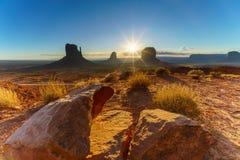 Den stam- monumentdalen parkerar, Arizona, USA Royaltyfri Fotografi