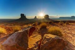 Den stam- monumentdalen parkerar, Arizona, USA Arkivfoto