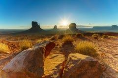 Den stam- monumentdalen parkerar, Arizona, USA Arkivbild