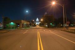 Den statliga Kapitolium av Arkansas beskådar nigh arkivbilder