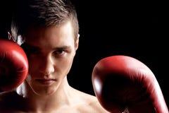 Den stiliga boxningmästaren slåss med en rival Royaltyfri Fotografi