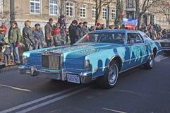 Den stora amerikanska limoen på en bil ståtar Arkivbild