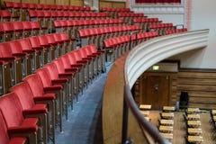 Den stora Hallen, Queen Mary, universitet av London Viktoriansk underhållningkorridor som renoveras i art décostil efter brand i  royaltyfri foto